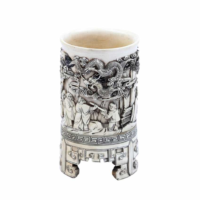 Brush Cup is made of ivory. CHINA, around 1900 - photo 1