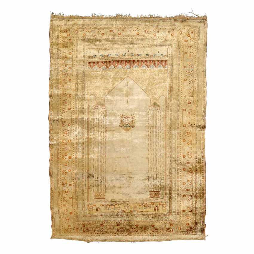 Oriental rug made of silk. TÄBRIZ antique North West Persia, 19th century. Century, approx. 168x127 cm - photo 1