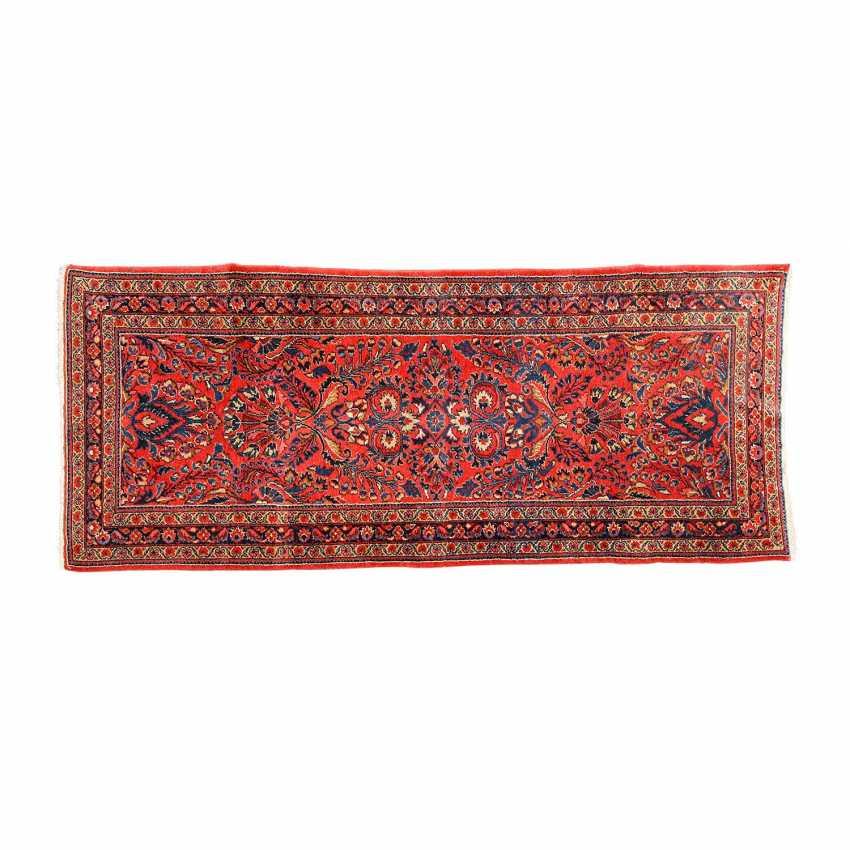 Orienttppich. LILIAN/PERSIA, 20. Century, approx. 192x94 cm. - photo 1