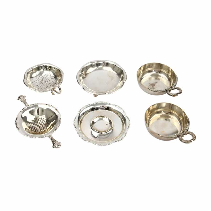 Mixed lot of 6pcs. Tea strainers and bowls, silver plated, 20. Century - photo 1
