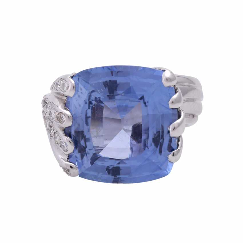 Ring with 1 sapphire in cushion-cut - photo 1