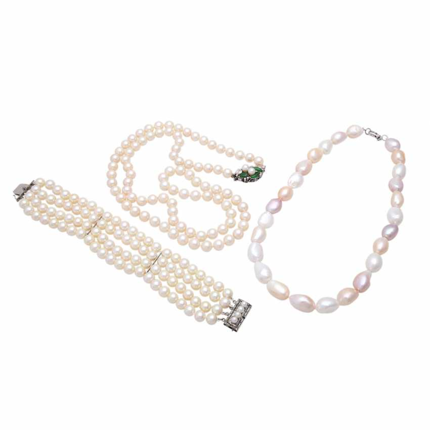 Mixed lot of 3 pieces, made of cultured pearls - photo 1