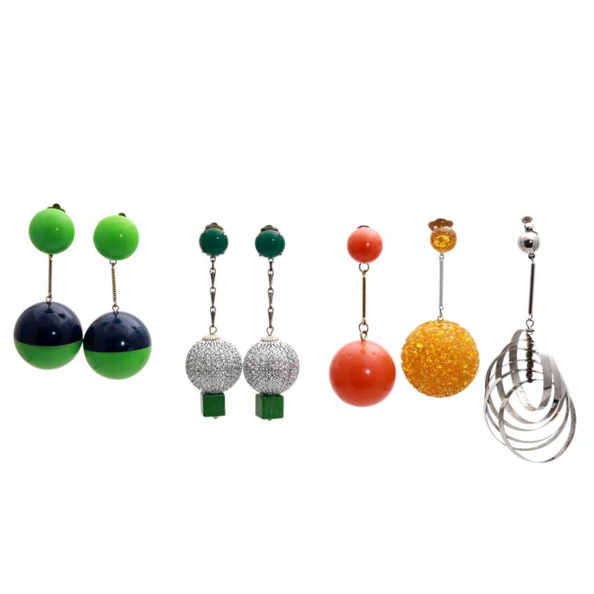 ITALY REVUE mixed lot of costume jewelry clip-on earrings, 1950s - photo 1