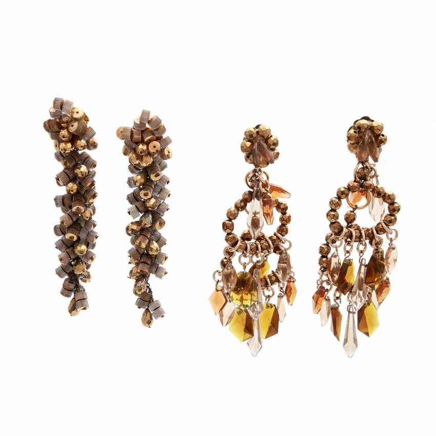 MOROCCO/LEBANON REVUE two Pairs of costume jewelry clip-on earrings, 1960s - photo 1