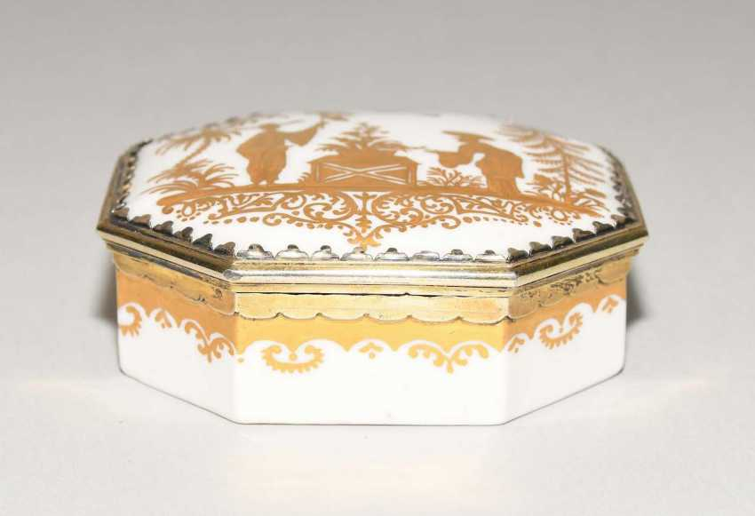 Lidded box, Meissen, and Augsburg - photo 3