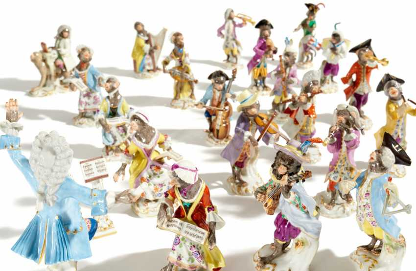 21 characters from the monkey chapel. Meissen