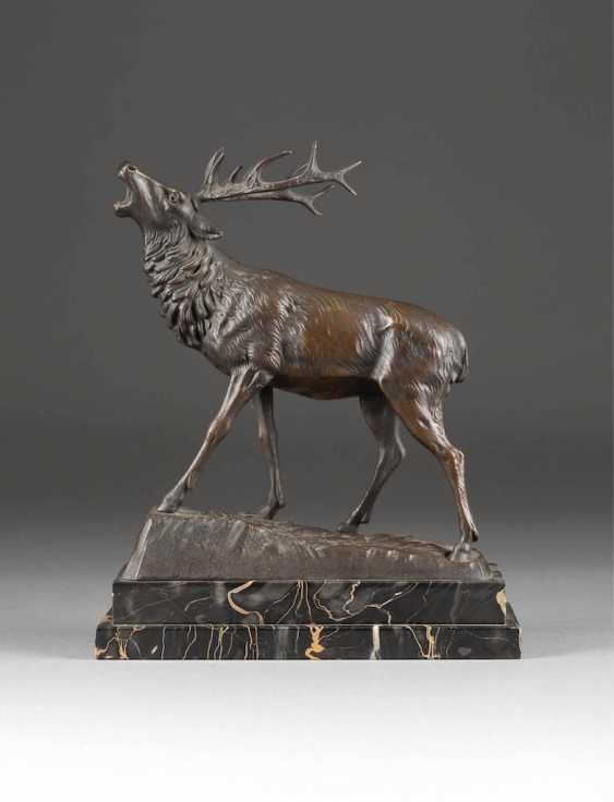 GERMAN sculptor Active 1. Half of the 20. Century Roaring Deer - photo 1