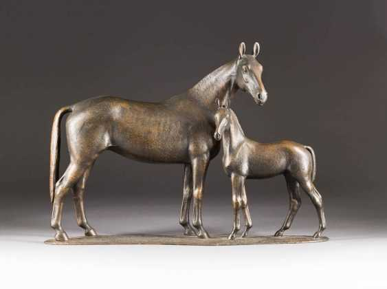 GERMAN sculptor Active 1. Half of the 20. Century 'DLG-winning Mare DIETA OF the TREBLE-COURIER WITH FOAL BY GARIBALDI II' - photo 1