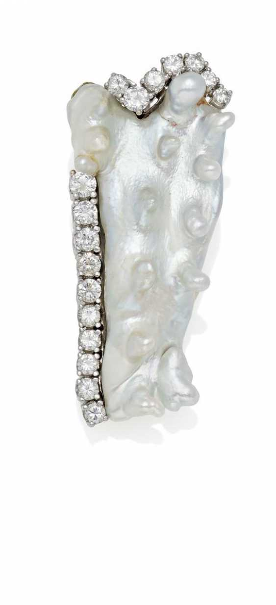 Pearl And Diamond Pendant.  - photo 1