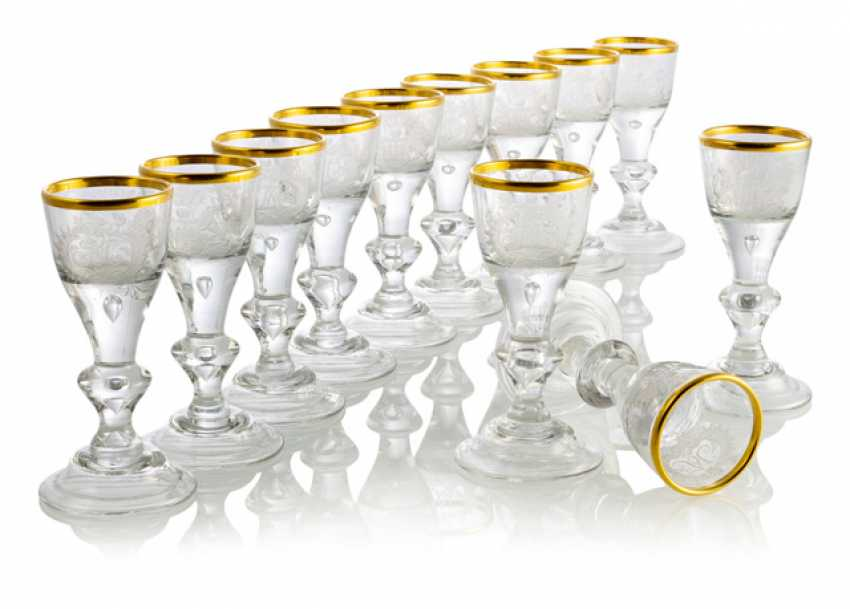 Set of 12 Rococo wine glasses with coat of arms cut - photo 1