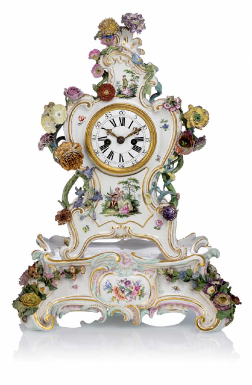 Porcelain mantel clock with Watteau painting - photo 1