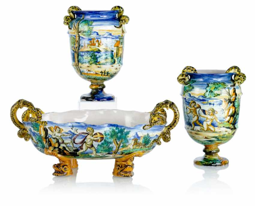Ceremonial bowl and Pair of vases - photo 1