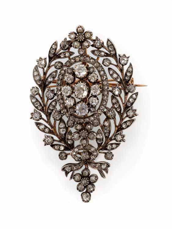 Fine Historicism And Diamond Brooch - photo 1