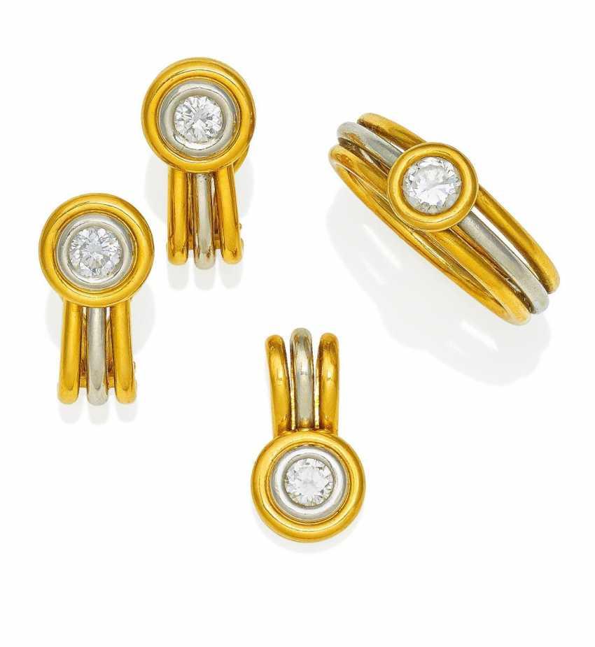 Diamond-Set. Ring, earrings and pendant.  - photo 1