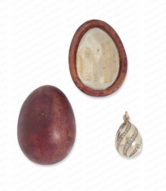SMALL EGG PENDANT GOLD