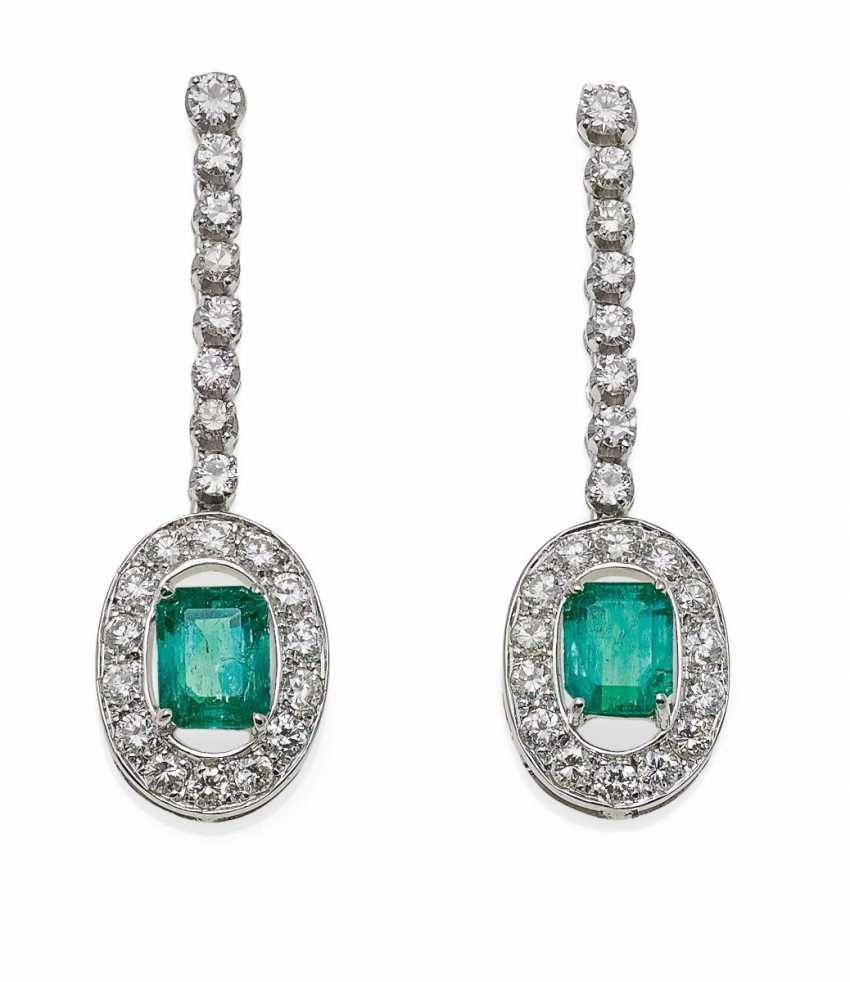Emerald And Diamond Ohrsteck Hanger.  - photo 1