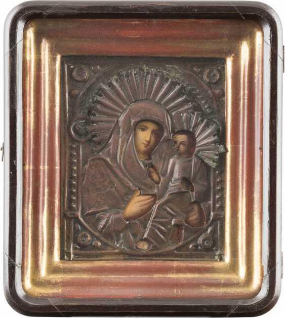 TWO ICONS: MOTHER OF GOD IWERSKAJA WITH OKLAD MOTHER OF GOD AND OF TICHWINSKAJA WITH OKLAD IN THE ICON CASE - photo 2
