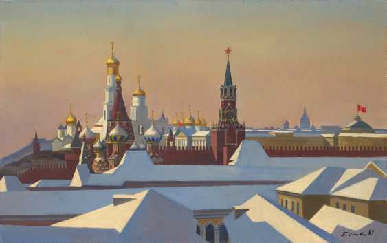 OSSOVSKI, PETR (1925-2015) The Moscow Kremlin in Winter , signed and dated 1984, also furhter signed, titled in Cyrillic and dated 1984 on the reverse. - photo 1