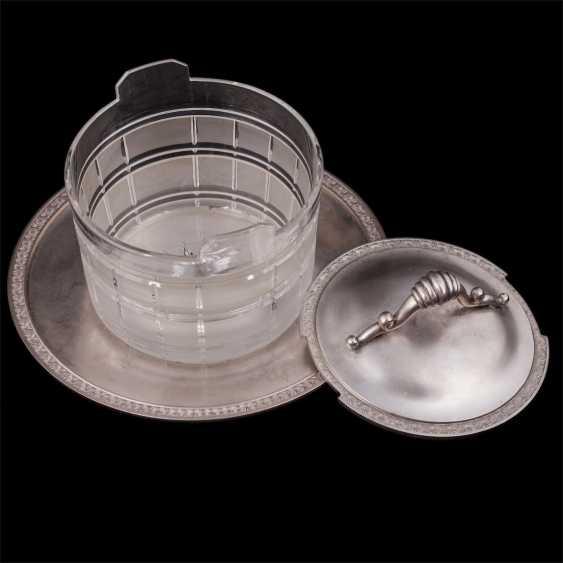 Vase caviar on a saucer - photo 2