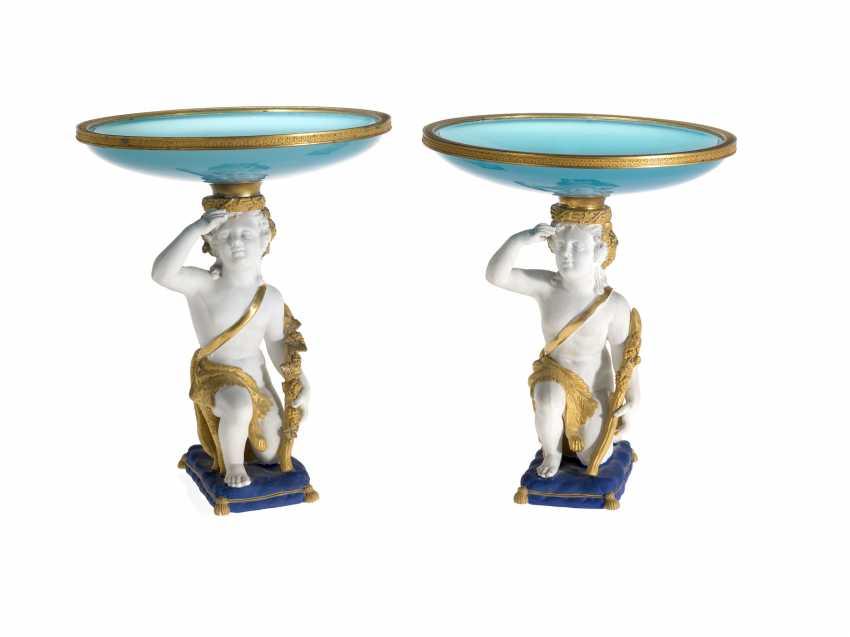 Ein Paar aus Biskuit-Porzellan-Tisch-Vasen  - Foto 1