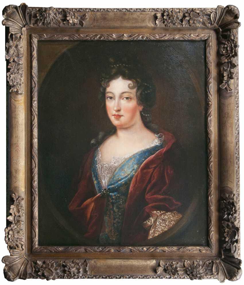 "Portraitmaler ""Portrait einer Dame, between traditionell identifiziert als Françoise-Marie de Bourbon"" - photo 2"