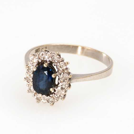 Ladies ring with sapphires and diamonds. - photo 1
