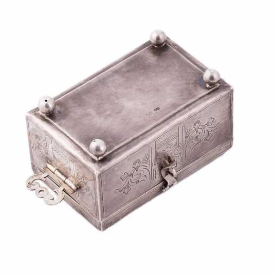 The casket - photo 3
