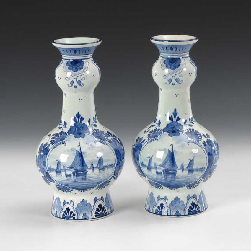 Paar Kalebassenvasen mit Blaumalerei, Villeroy & Boch. - Foto 1