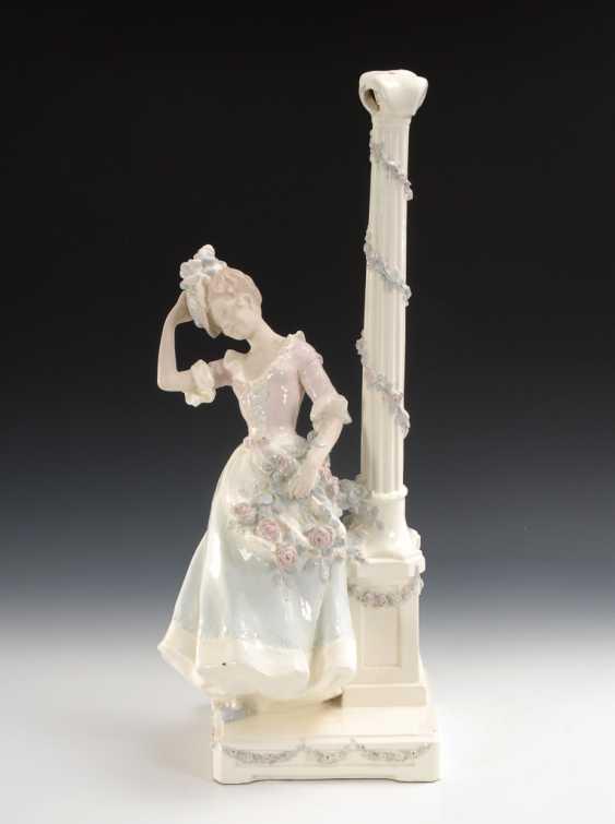 Jugendstil-Lampenfuß mit junger Dame, Entwurf Rudolf Podany/Schauer & Co. - Foto 1