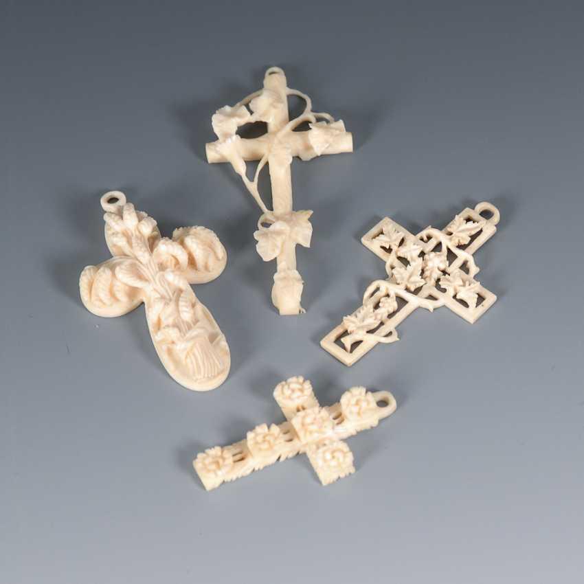 4 Elfenbein-Kreuze. - Foto 1
