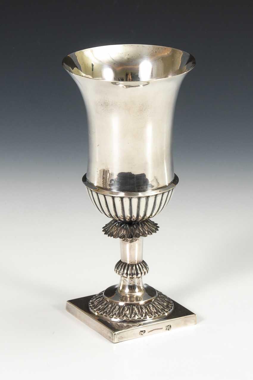 Silberner Biedermeier-Pokal. - Foto 1