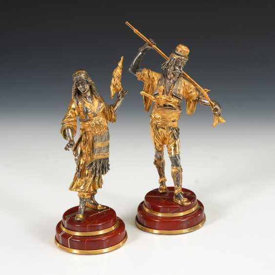 Silbernes Figurenpaar in orientalischer Tracht. - Foto 1