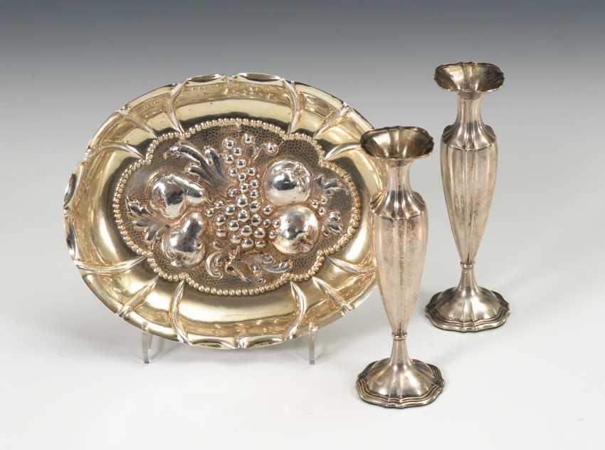 Kleine Silberschale im Barockstil und 2 Väschen. - Foto 1