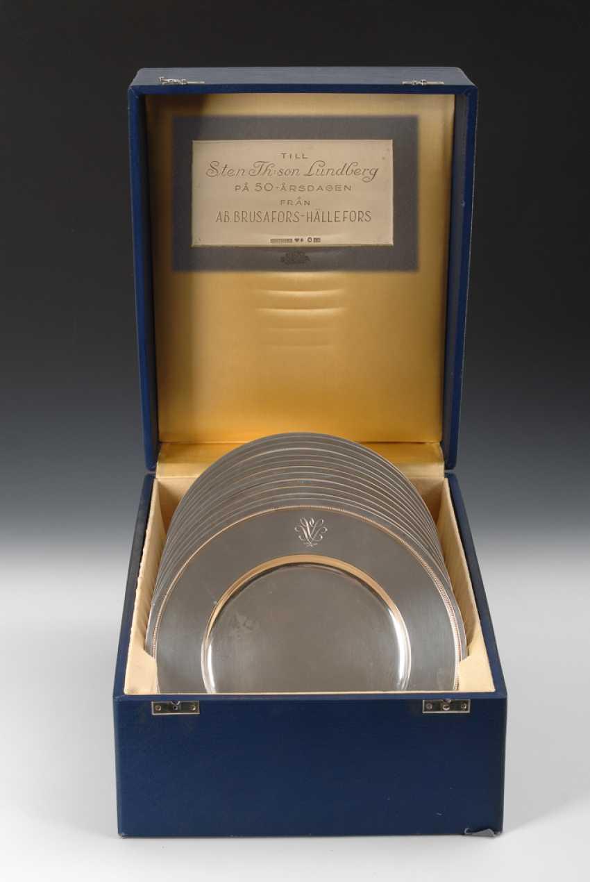 12 Silberteller in Schatulle. - Foto 1