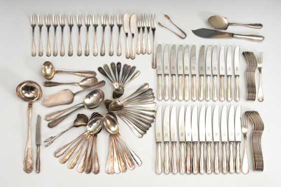 Umfangreiches Silberbesteck für 12 Personen. - Foto 1