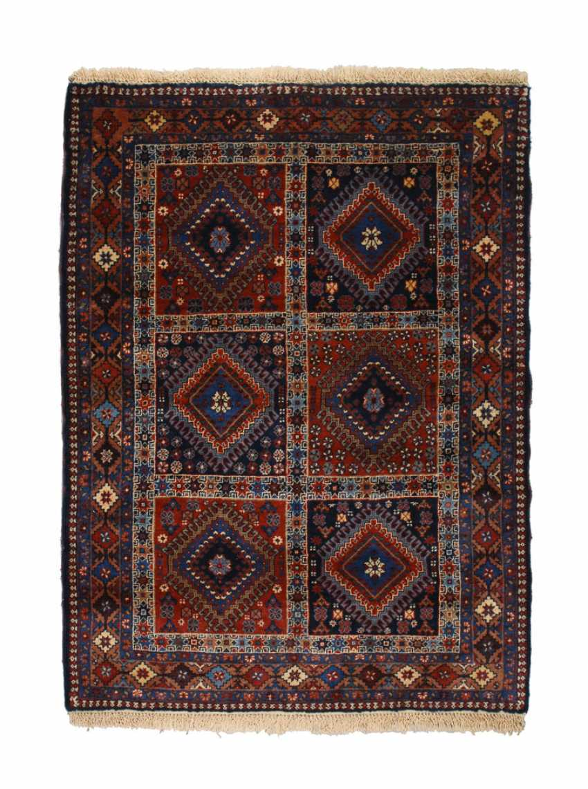 Kleiner geometrischer Teppich. - Foto 1