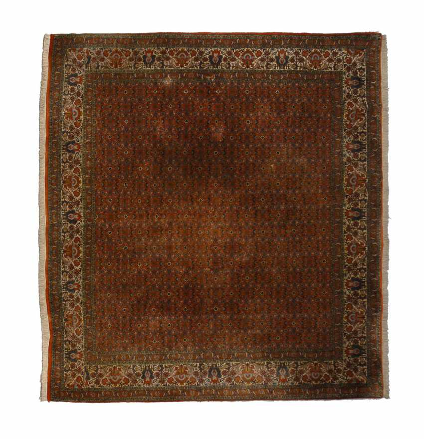 Quadratischer Teppich. - Foto 1