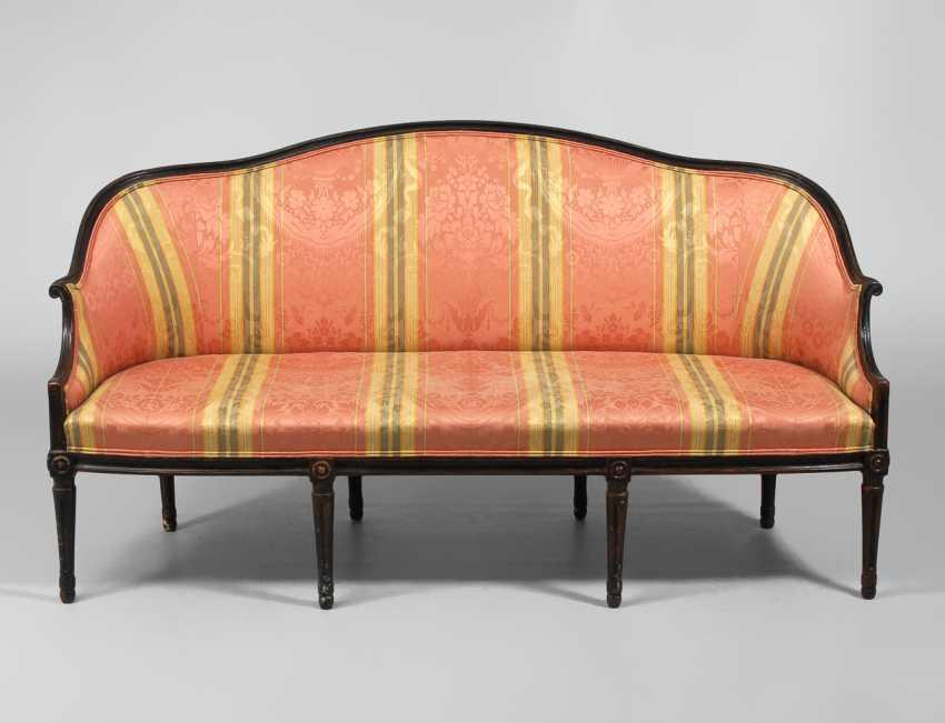 Canapé im Stil des Klassizismus. - Foto 1