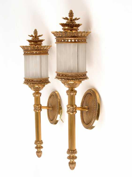 Paar Wandlampen in Kutschenlampen-Form. - Foto 1