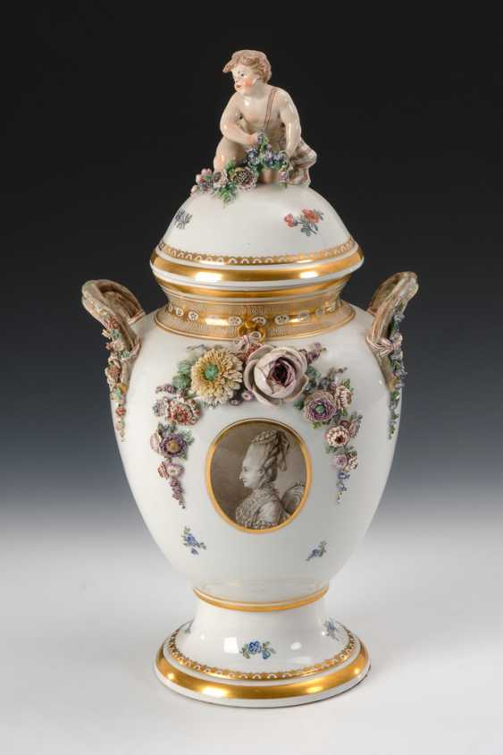 Seltene Deckelvase, Royal Copenhagen. - photo 1