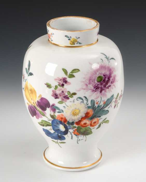 Vase with flowers painting. - photo 1