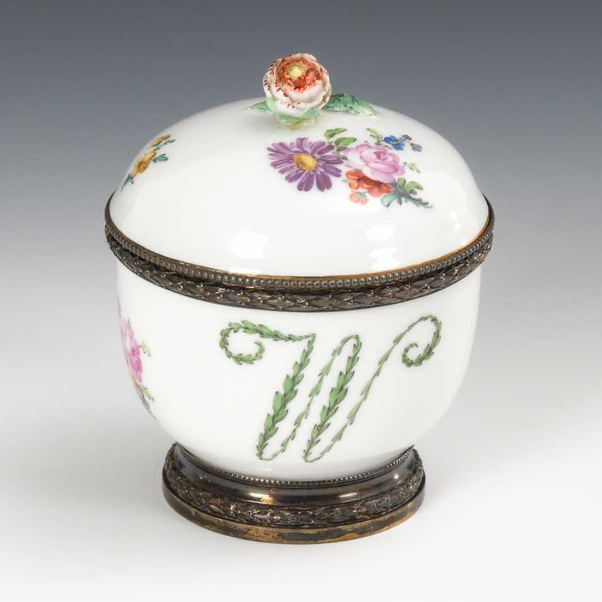 Sugar bowl with silver mounts, KPM Berlin. - photo 1