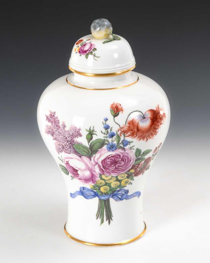 Vase mit Blumenmalerei, Nymphenburg. - Foto 1