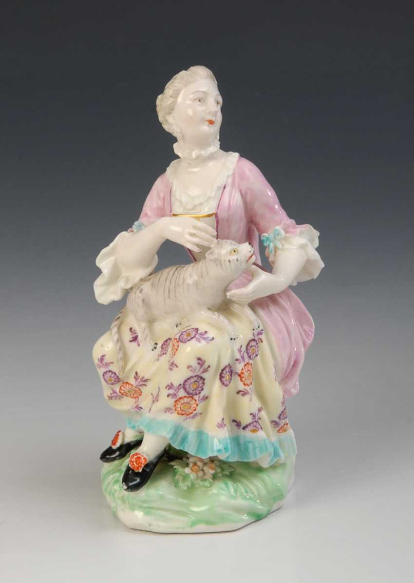 Lady with cat, Meissen. - photo 1