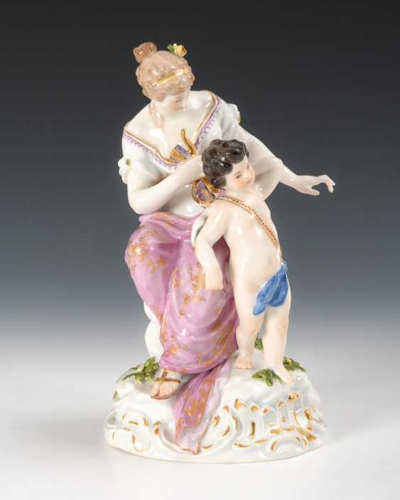 Venus and Cupid, Meissen. - photo 1