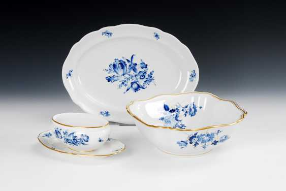 Bowl, plate and sauce boat, with blue painting, Meissen. - photo 1