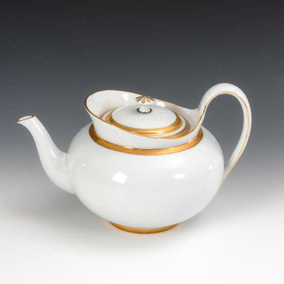A Biedermeier Teapot, Meissen. - photo 1