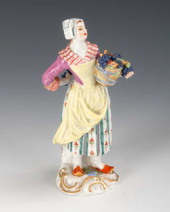 Grape Seller, Meissen. - photo 1