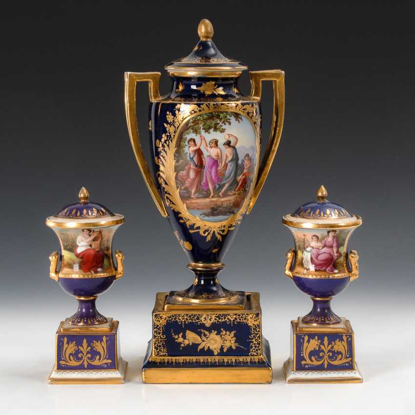 Amphora vase and 2 small lid vase in the Vienna style. - photo 1