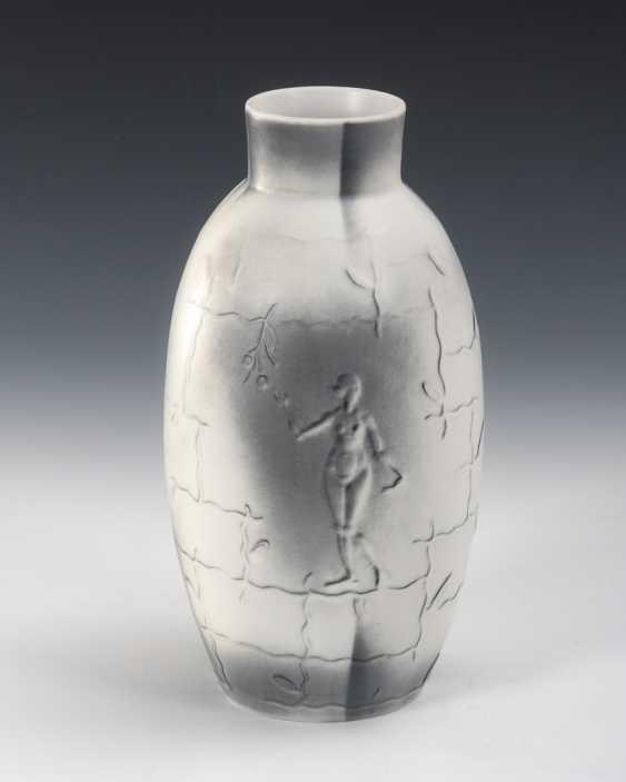 Vase Adam und Eva, Simon & Halbig. - Foto 1